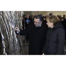 A Dohány utcai zsinagógába látogatott a német kancellár