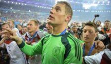 Neuer az első kapus Jasin óta, aki a csúcsra ért