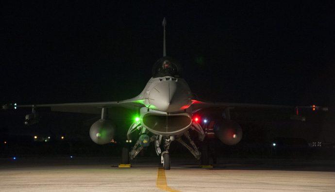 Szakértő az F-16-os vadászgépekről: Olyan ez, mintha Sagan biciklijét egy mezei kerékpáros vette volna meg