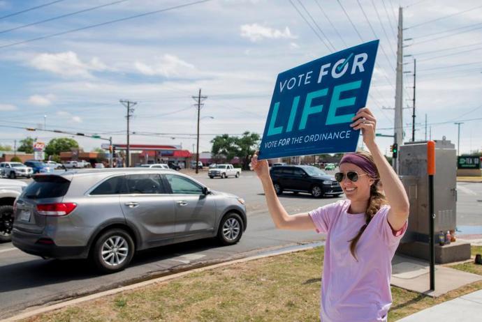 Újabb texasi városban tiltották be az abortuszt