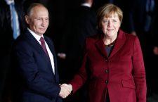 Putyin és Merkel egy új gázvezeték kiépítéséről is tárgyal szombaton