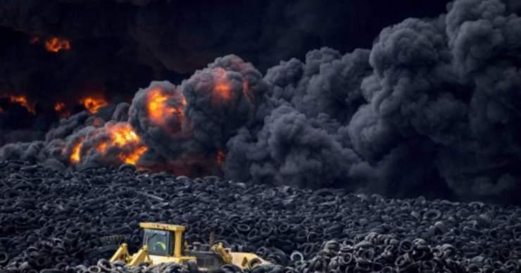 Ismét lángokban áll a világ legnagyobb autógumitemetője