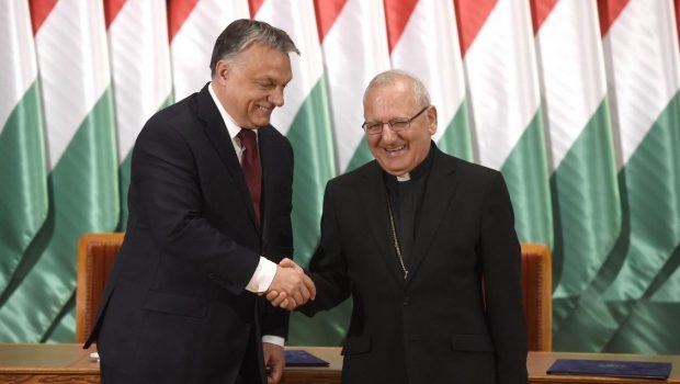 Sako bíboros: Míg az USA csak ígérget, addig Magyarország példát mutat az üldözött keresztények megsegítésében