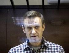 Rohamosan romlik Navalnij állapota, bármely percben meghalhat