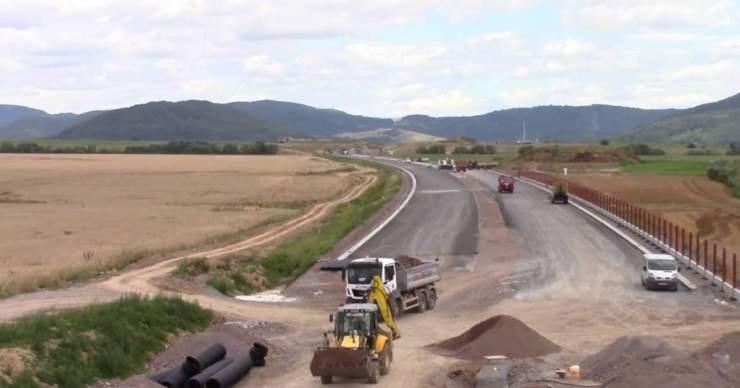 A kormány jóváhagyta az útépítés koncepcióját az elkövetkező évekre – a déli régiók sehol sincsenek
