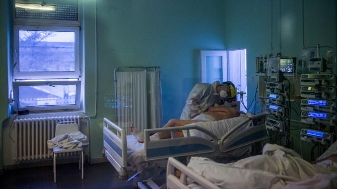 Friss adat: 311 beteg halt meg itthon