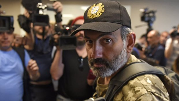 Pasinján felajánlotta fiát az Azerbajdzsánban tartott örmény hadifoglyok helyett