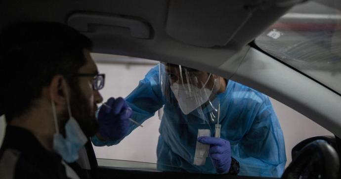 Először emelkedett tízezer fölé a napi új fertőzöttek száma Izraelben