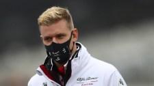 Hivatalos: újra lesz Schumacher az F1-ben