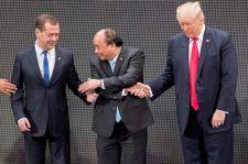 Medvegyev: fel kell számolni az amerikai és a kínai IT-cégek monopolhelyzetét