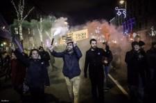 Hidakat zártak, székházat másztak órákon át a tüntetők – a Tordai Bence-féle nyomorultak hívó szavára és irányításával