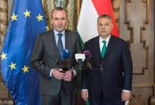 Weber megvédte Orbánt Münchenben