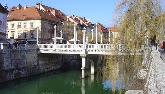 Egy eddig csak leírásokból ismert középkori híd nyomaira bukkantak Ljubljanában
