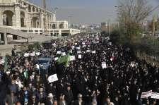 Oroszország és Törökország óva int, nehogy a külföld beavatkozzon Irán belügyeibe