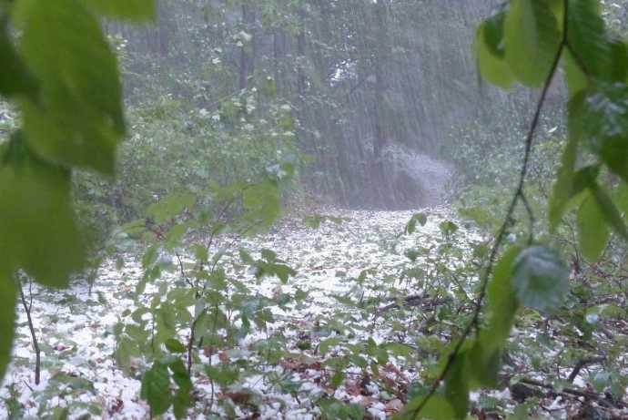 Vihar és jégeső várható pénteken szinte az egész ország területén