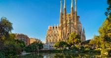 Vaskos büntetést kell fizetnie a Sagrada Famíliának. Több mint 100 évig nem volt építési engedélye