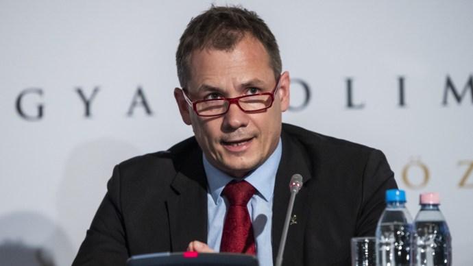 MOB-elnök: nem csapás, hanem lehetőség a halasztás
