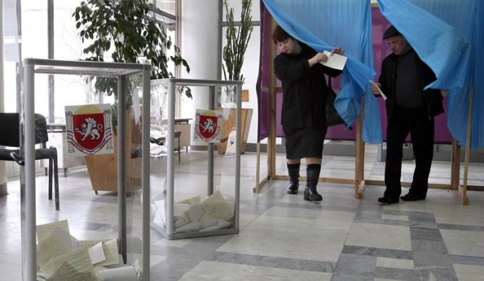 Nyugati újságírók provokációkat rendeztek a referendumon, a Krím-félszigeten