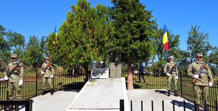 RMDSZ-es prefektus vezetésével emlékeztek meg a magyar hadsereg románokat ért ördögkúti atrocitásáról