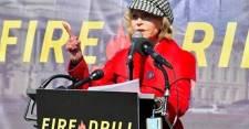 Őrizetbe vették a washingtoni Capitoliumnál Jane Fondát – VIDEÓVAL