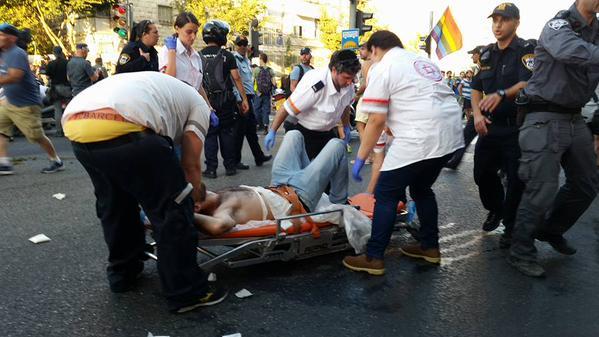 """Sokat nem tétlenkedett a tíz évi börtön után szabadon engedett Tóra-követő: a mai izraeli köcsögfesztiválon is """"kardélre hányt"""" hat felvonulót"""