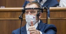 Boris Kollár azt javasolja, az egészséges parlamenti képviselők ne jelentkezzenek a soron kívüli védőoltásra