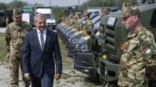 Drámai tényeket közölt a honvédelmi miniszter a tűzszerészekről