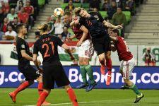 A Szent Korona is kellett hozzá: a magyar labdarúgó-válogatott 2-1-re nyert a vb-ezüstérmes horvátok ellen