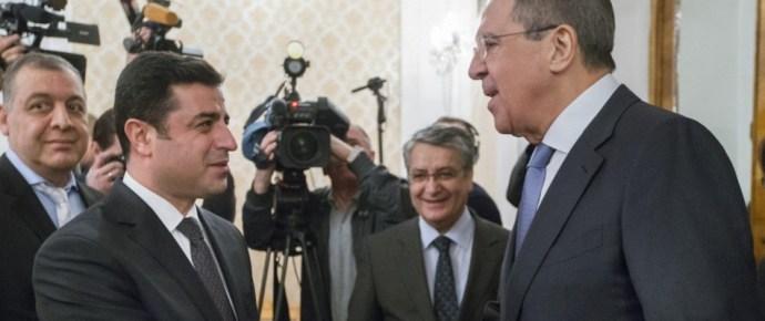 Kínos hír Ankarának: az oroszok támogatnák a kurdokat
