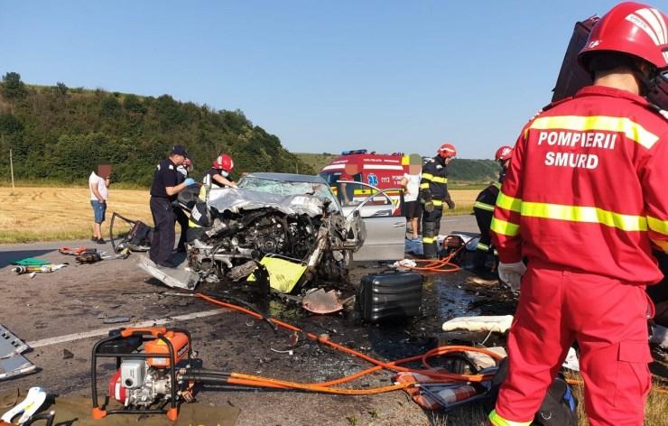Hét személy életét vesztette vasárnap egy balesetben