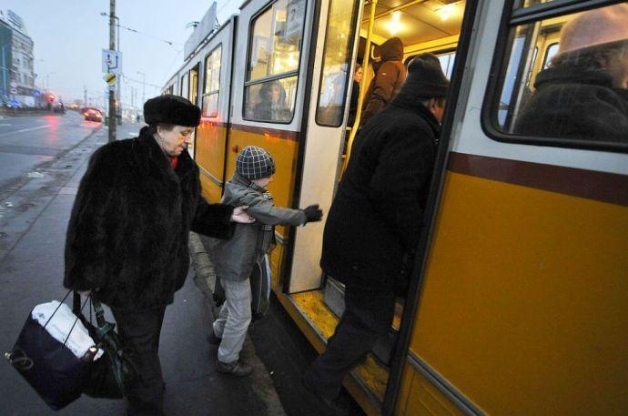 Jelentős változások lesznek hétfőn a közösségi közlekedésben