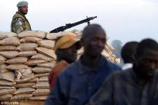 Kongói háború: fiaikkal erőszakoltatják meg az anyákat, élő emberekről levágott péniszeket esznek