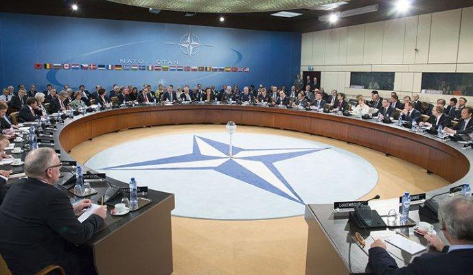 Hidegháború kell a NATO-nak