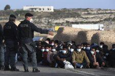 Fokozódik a migrációs nyomás Olaszországban, Svédországban a bevándorlók képtelenek ellátni magukat