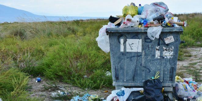 Az indokolatlan felhalmozással a háztartási hulladék mennyisége is nő