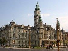 800 millió forintos költségvetési csalás: lecsaptak a NAV pénzügyi nyomozói a győri Fidesz szavazatgyűjtőire