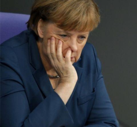 Európa visszafelé biciklizik, avagy Angela Merkel szerint hinni kell Putyinnak