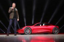 Brutális döntést jelentett be a Tesla