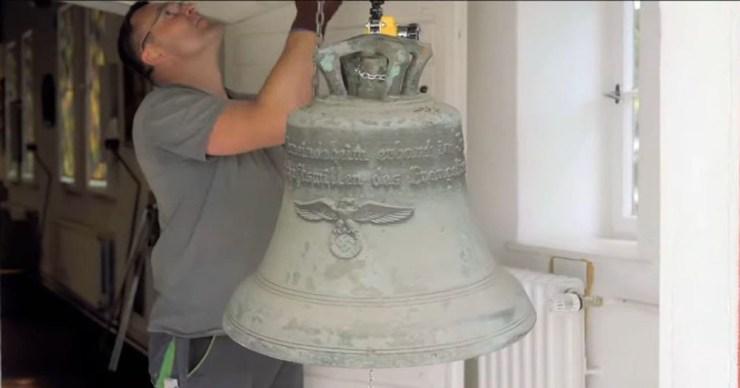 Berlin: Múzeumba kerül a horogkeresztes harang