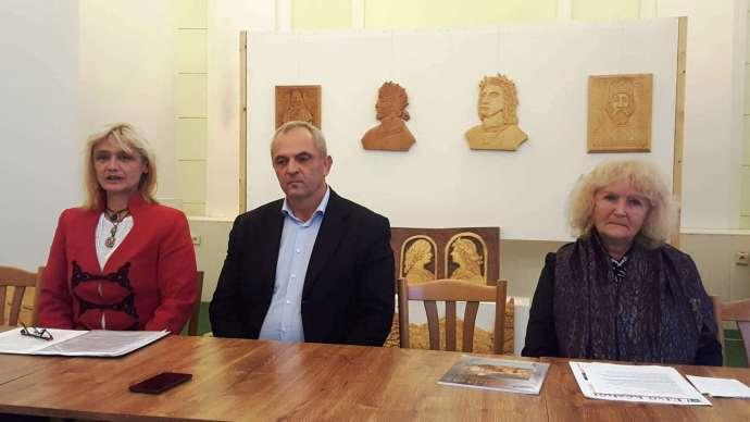 Felvidéki civilek a kárpátaljai magyarok mellett: A V4-ek hassanak oda, az EU küldjön vizsgálócsoportot Ukrajnába