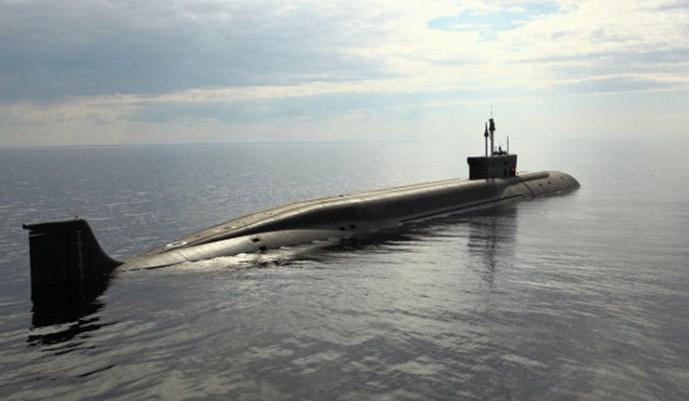 Vlagyimir Monomah tengeralattjáró kifutott a tengerre a Bulava testelésére