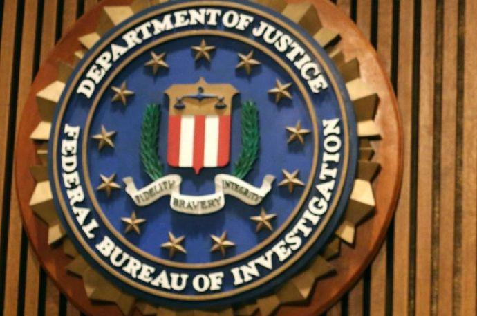 Az FBI körözi a kuruc.info tulajdonosát