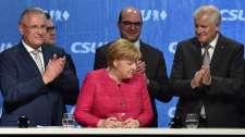 Tegnap a müncheni főtérről fütyülték ki kegyetlenül Merkel-állatot