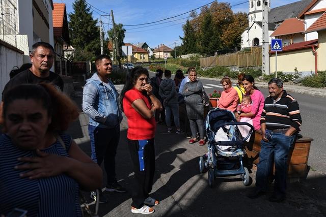 Győztek a cigány terroristák szülei Gyöngyöspatán: leváltották a velük szembeszálló iskolaigazgatót