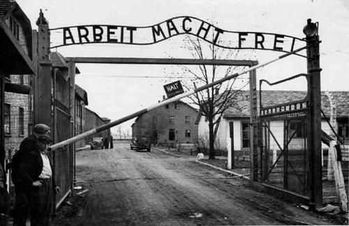 """""""Hitlernek nem lett igaza, vannak túlélők"""""""