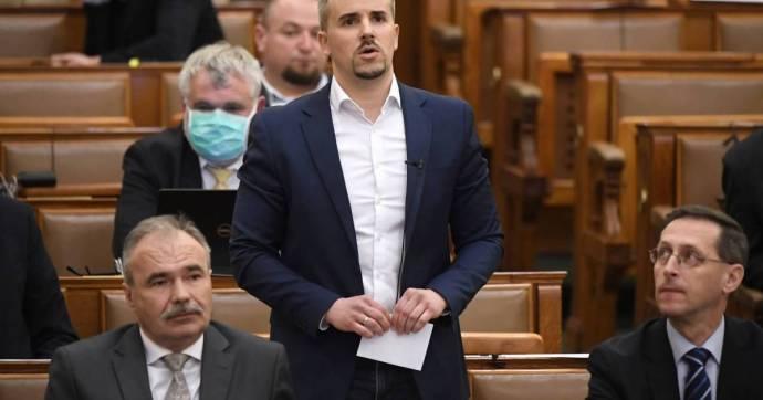 Jakab: amikor Mészáros behúzza a milliárdos közbeszerzéseket, akkor az emberek konyhapénzét teszi zsebre