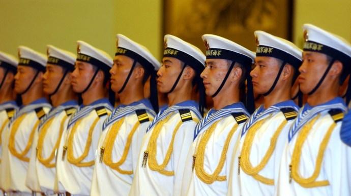 Példátlan lépés a kínai haditengerészettől a vitatott szigetcsoportnál