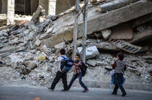 A nyugat kedvenc iszlamistái tüzet nyitottak a menekülő gyerekekre
