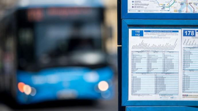 A bezárások miatt a tömegközlekedés is változik, több fokozatban