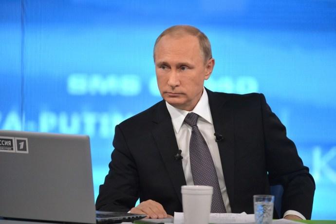 """Putyin: a Szovjetunió ronda rendszer volt, hiba volt azt a """"fejlesztési"""" modellt erőltetni Kelet-Európában"""